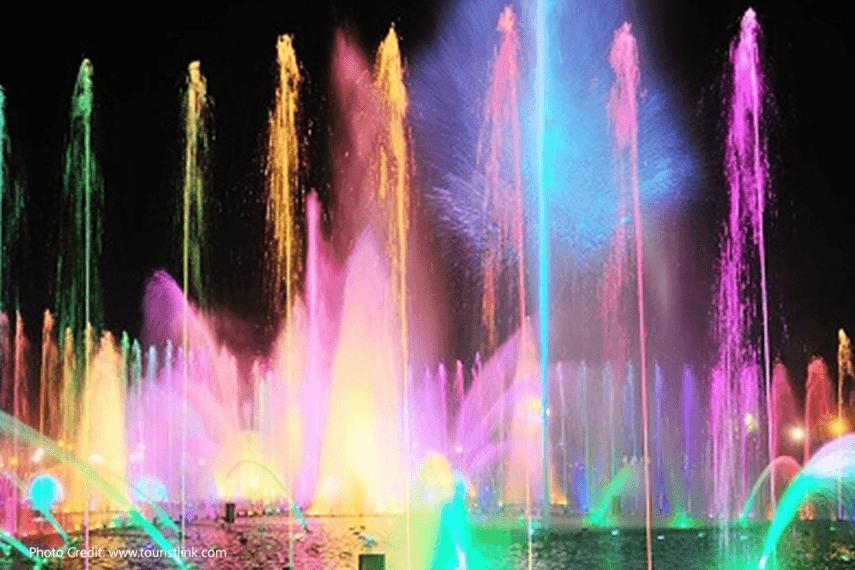Rizal-Park,-Manila